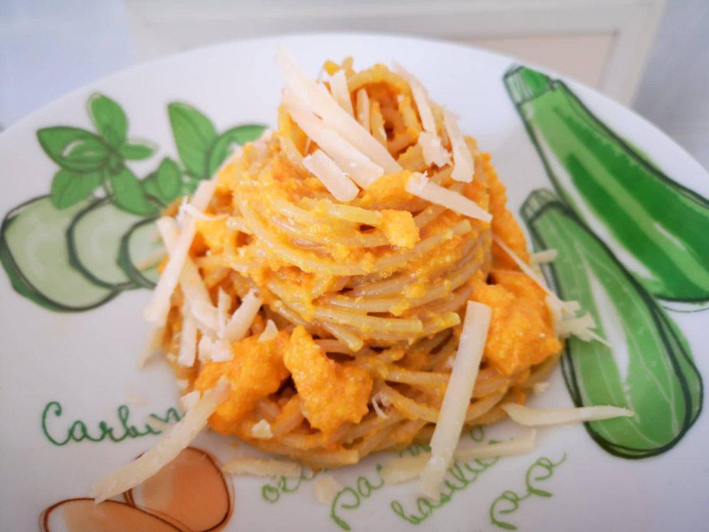Spaghetti integrali al pesto di carote