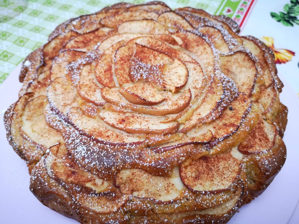 Torta soffice alle mele e mascarpone